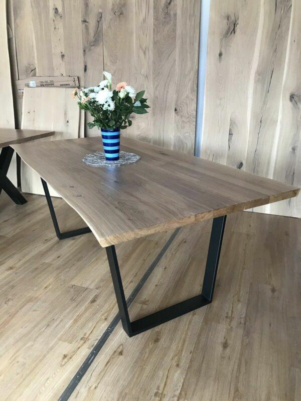 Möbel-Natur-Komfort   Tisch aus Eiche mit Baumkante (200 x 100 cm)